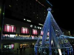 JR三ノ宮駅前のイルミネーション